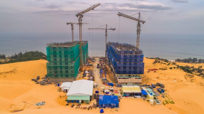 Khách hàng ngỡ ngàng trước tiến độ xây dựng thần tốc của dự án Apec Mũi Né