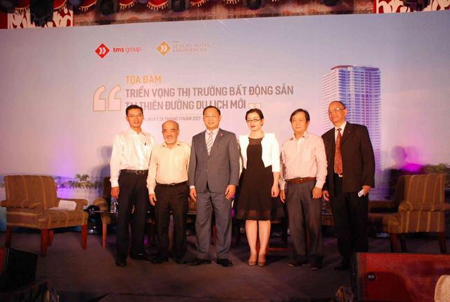 Đại diện lãnh đạo Tâp đoàn TMS và các diễn giả, khách mời.