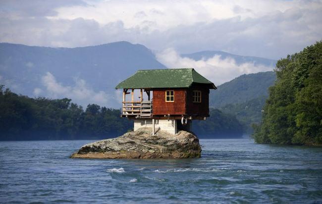 Nhà được xây dựng trên những khu đất có hình dáng kì quái