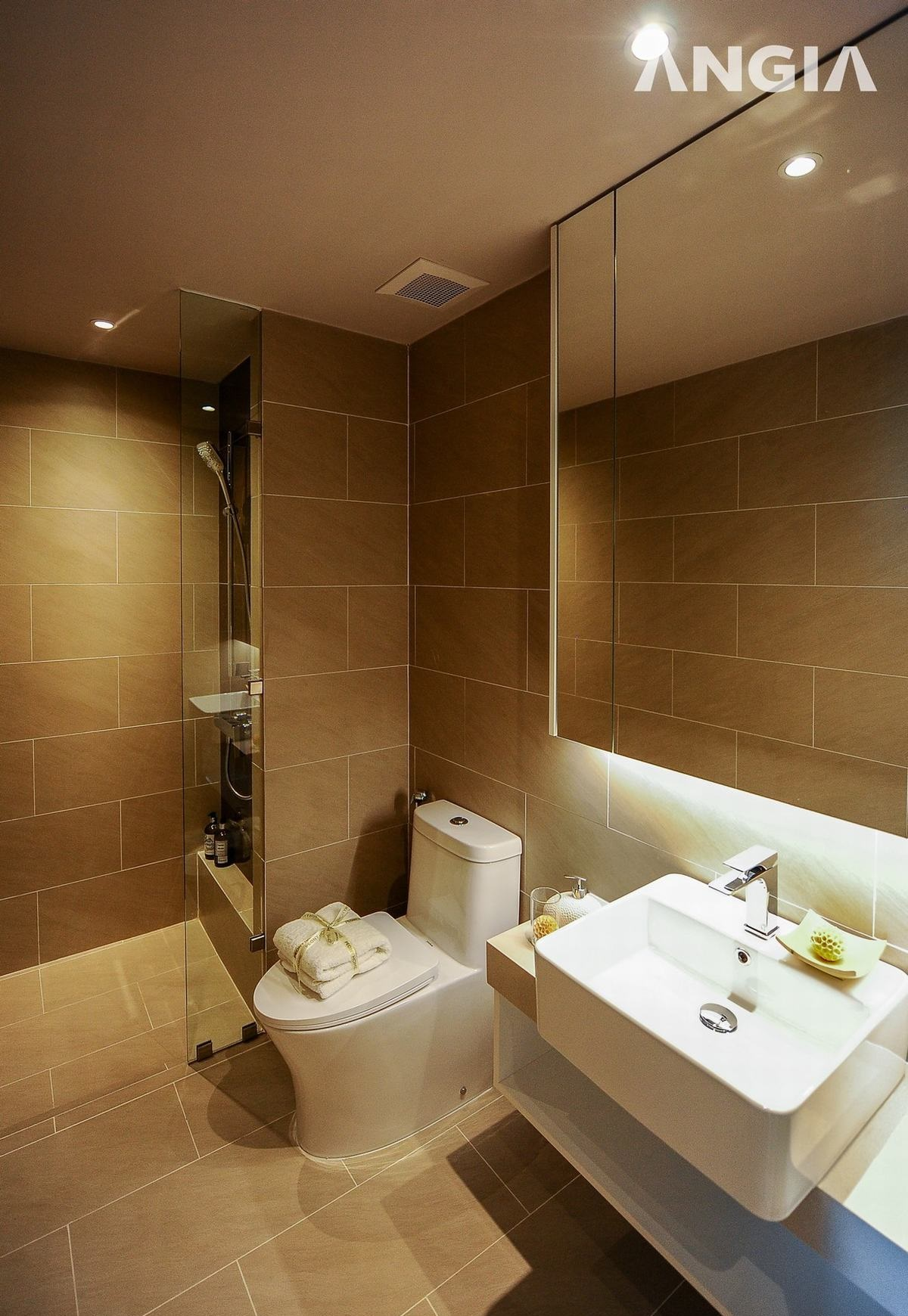 Các nội thất phòng tắm West Gate được bàn giao đầy đủ
